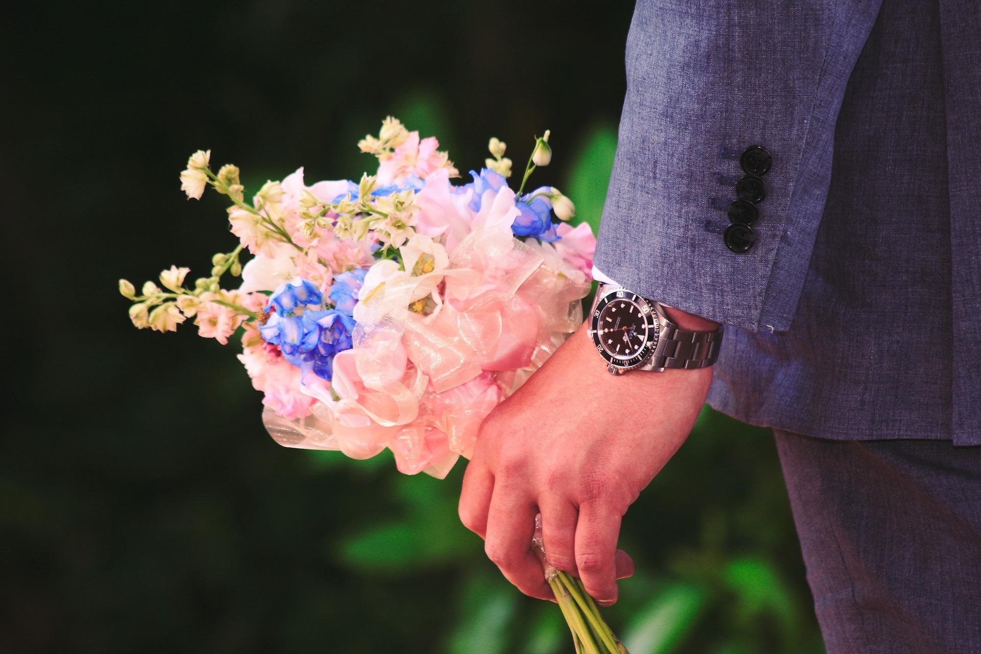 Virág mellé? Vagy helyette?